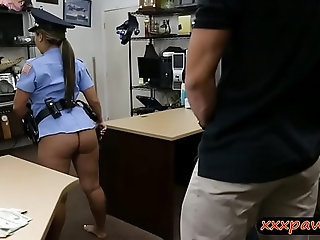 Ms police officer drilled by pawn dude at the pawnshop